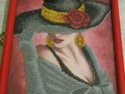 "Картина ""Девушка в шляпе"", вышита бисером - фото 2"