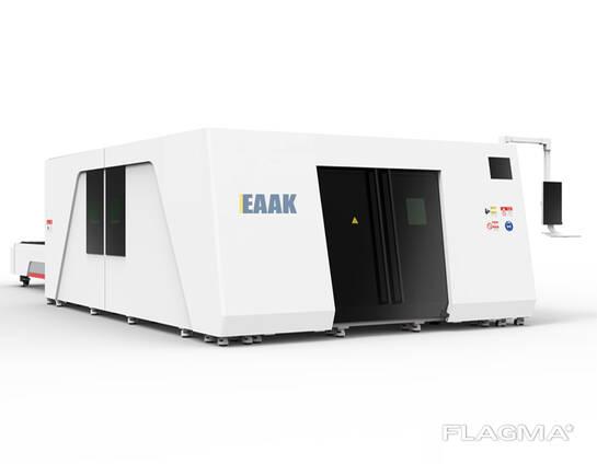Laserski rezalni stroj s celotnim zaščitnim pokrovom